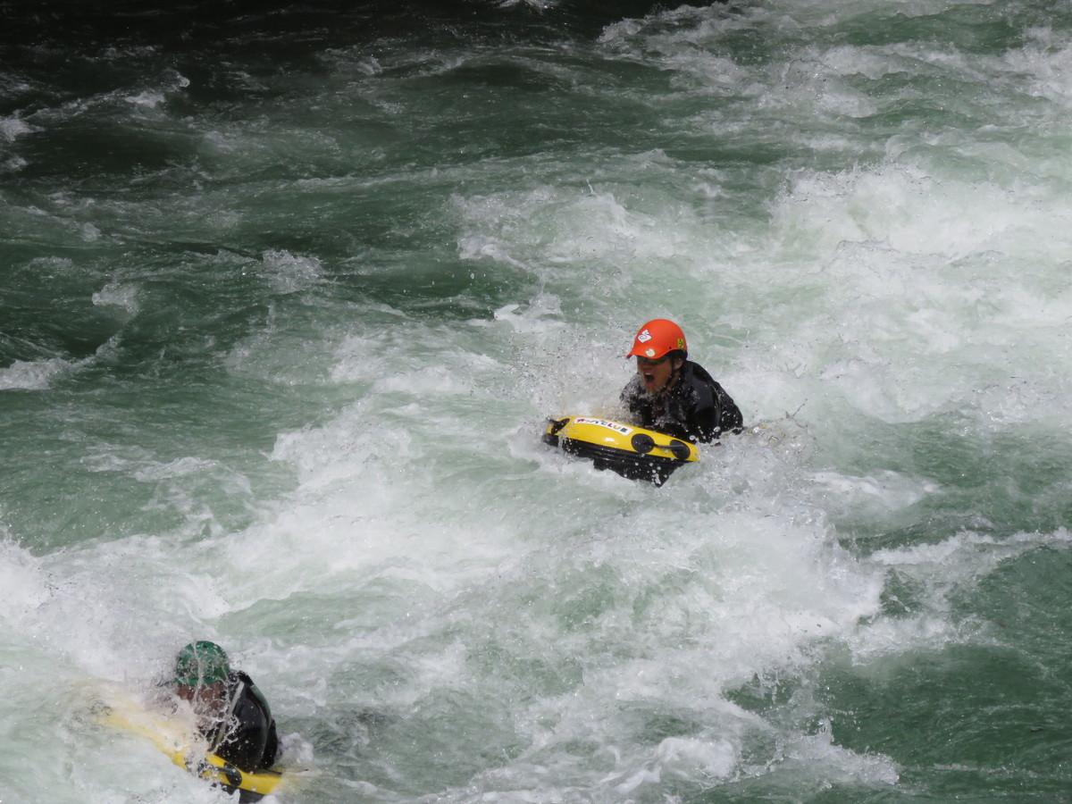 ダムの放流で利根川の水も