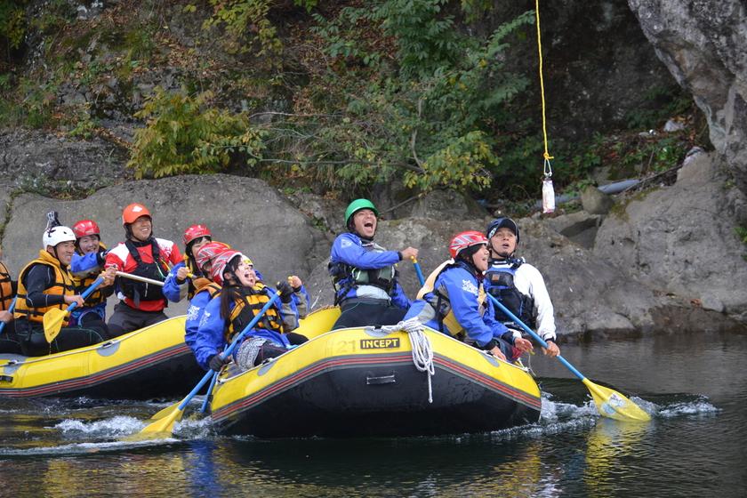 今日は日本一の広い川と長い川でラフティングしちゃいましたよ001