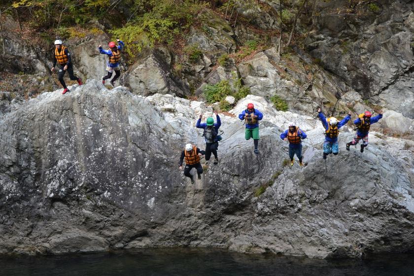 今日は日本一の広い川と長い川でラフティングしちゃいましたよ004