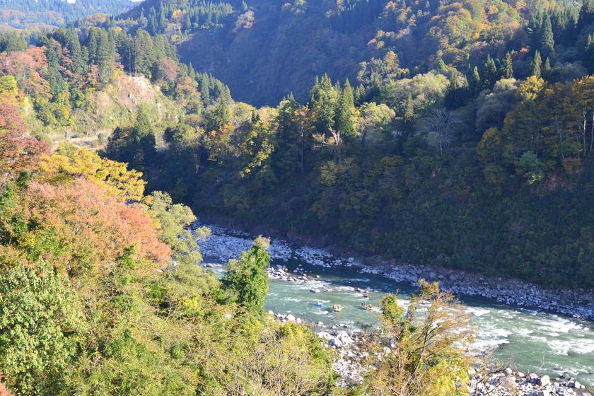 今日は日本一の広い川と長い川でラフティングしちゃいましたよ005