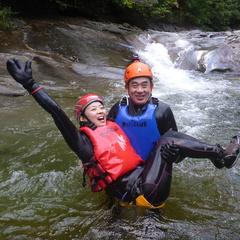 少しずつ足下に秋を感じ始めたハナゲの滝コースでした