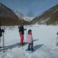 山の景色を見ながら雪原をハイキング!!
