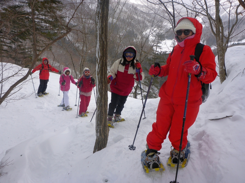 雪国らしいお天気でスノーハイキング001