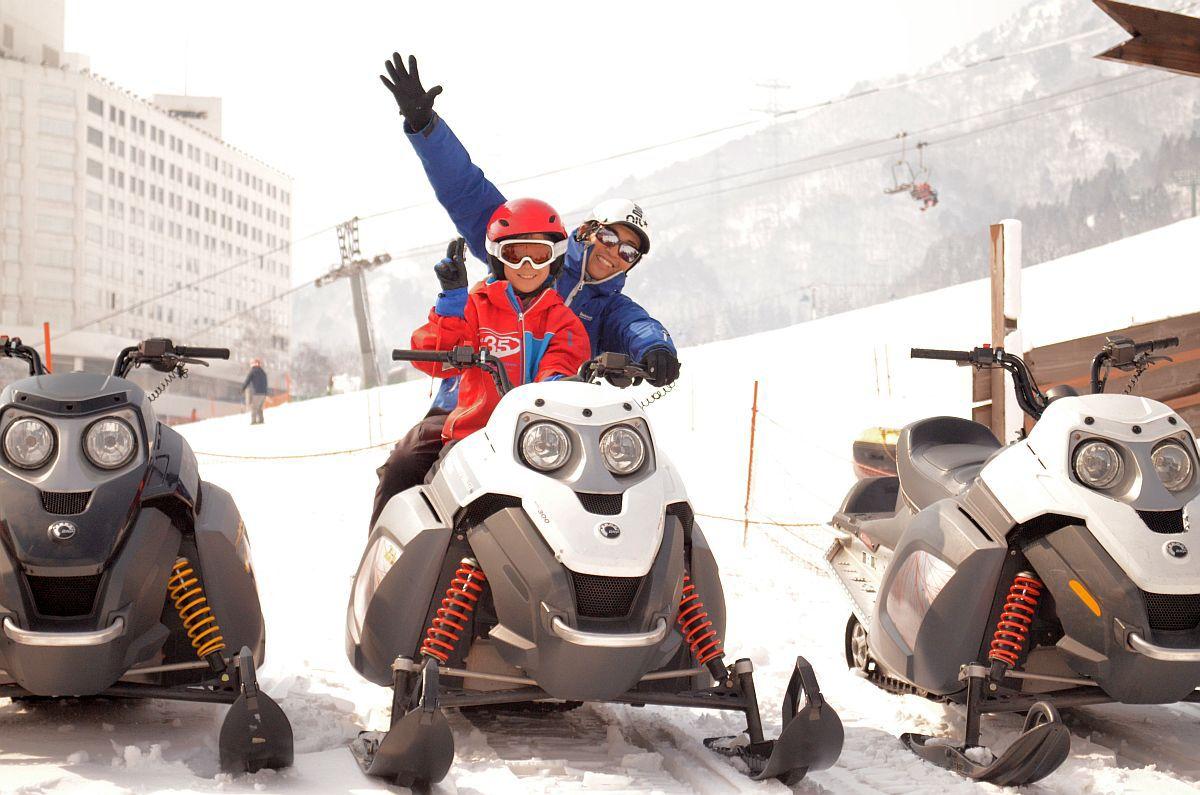スノーモービル 冬終わっちゃいますよ!スノーモービルにカモン!!