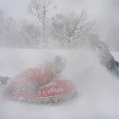吹雪に負けるな!?男祭りのエアーボード半日コース!