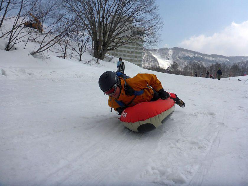 久しぶりのスノースポーツに最適なエアーボード001