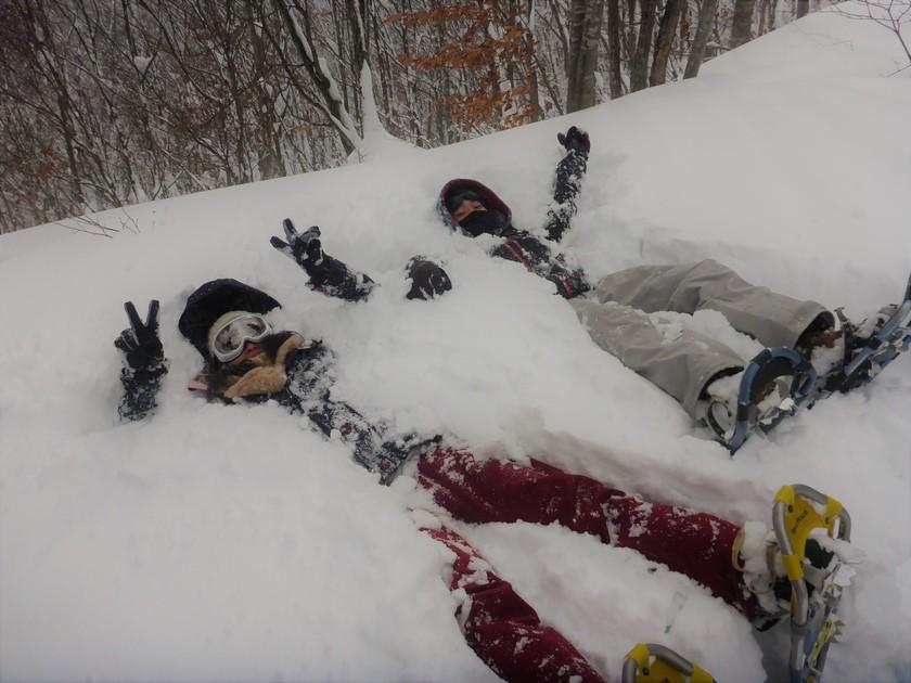 スノーシューで雪山へ!!吹雪に負けずに遊びましょ~♪001