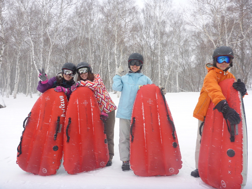 春の雪が舞ってます!エアーボードツアー001