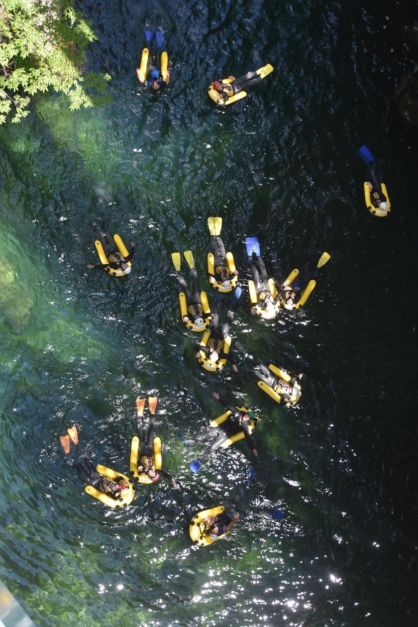 川底まで見えちゃうくらいきれいな利根川!001