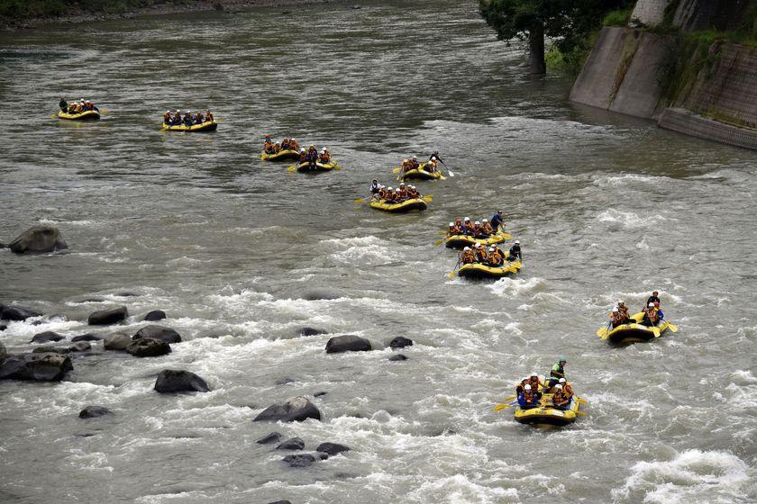 信濃川でラフティング!002