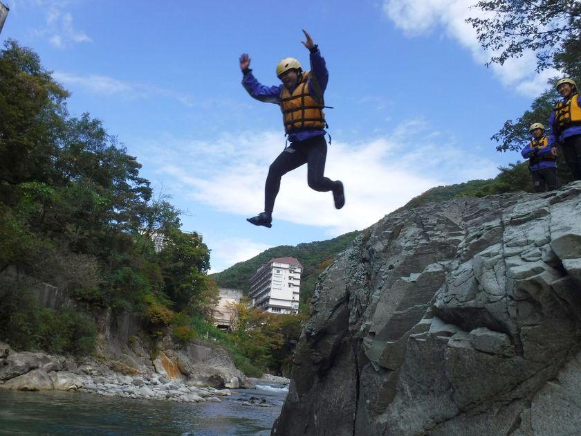 秋の青空へ飛び出せ!001