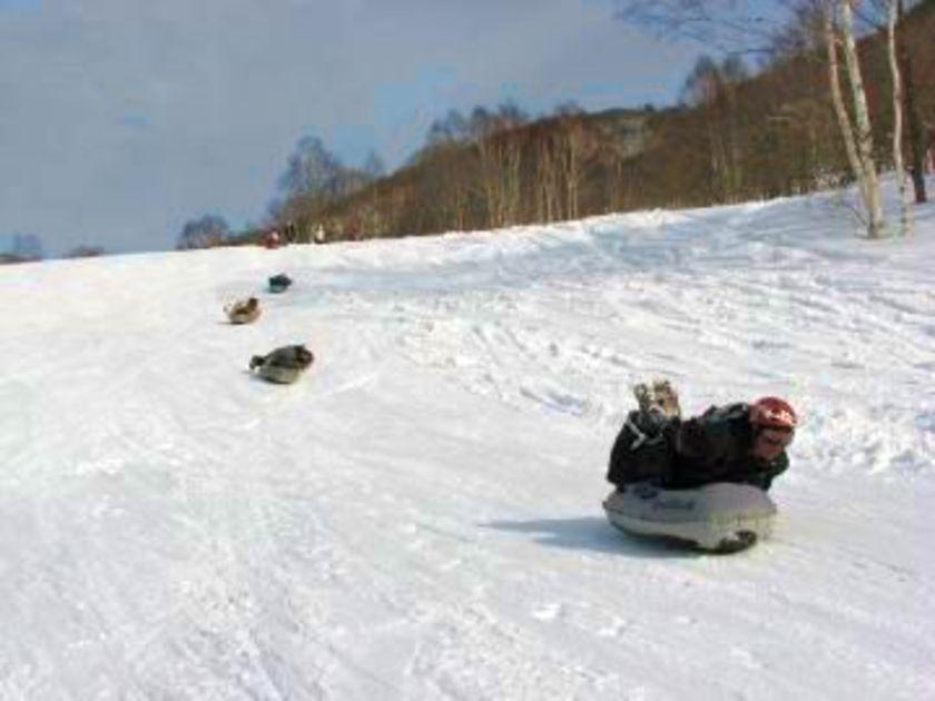 キラッキラの雪原で大はしゃぎ!!003