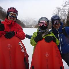 今日も明日も雪遊び!初日はエアボード貸し切り1日コース☆