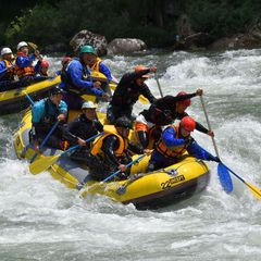 Let's enjoy rafting!