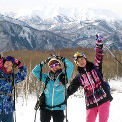 快晴のみなかみ町で雪上ハイキングを楽しもう!