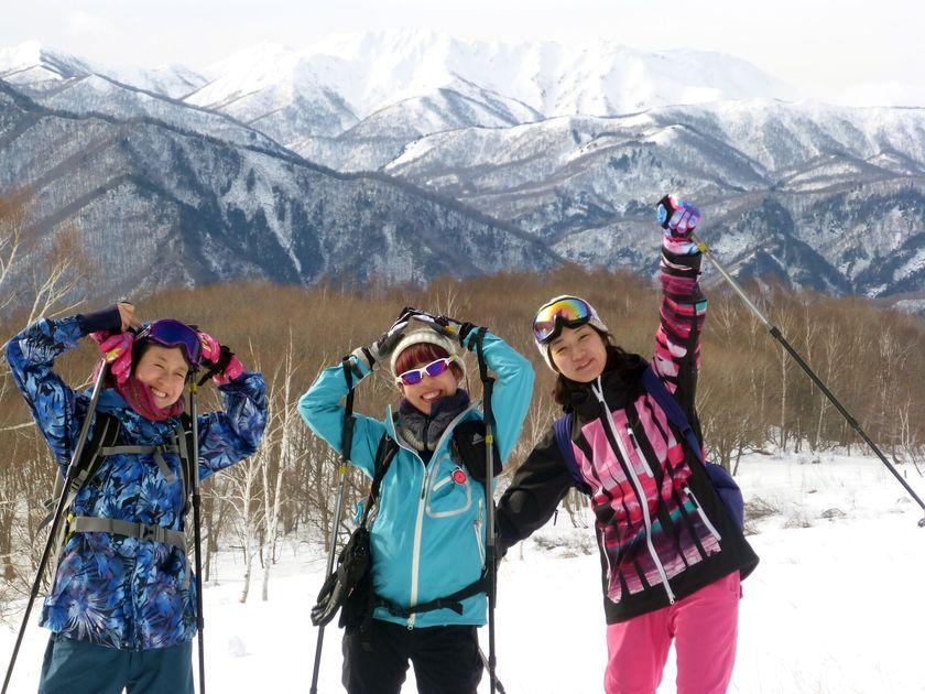 快晴のみなかみ町で雪上ハイキングを楽しもう!001