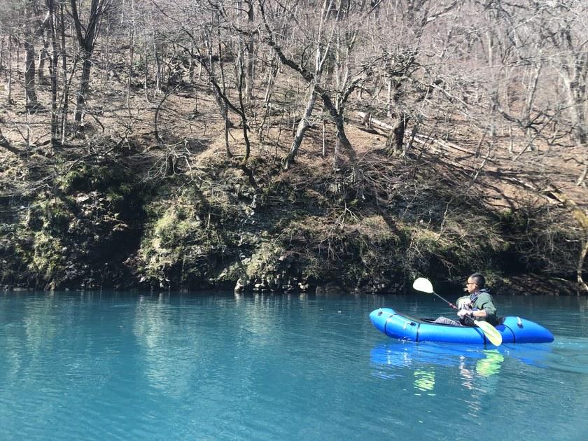 限りなく透明にちかい四万湖ブルー002