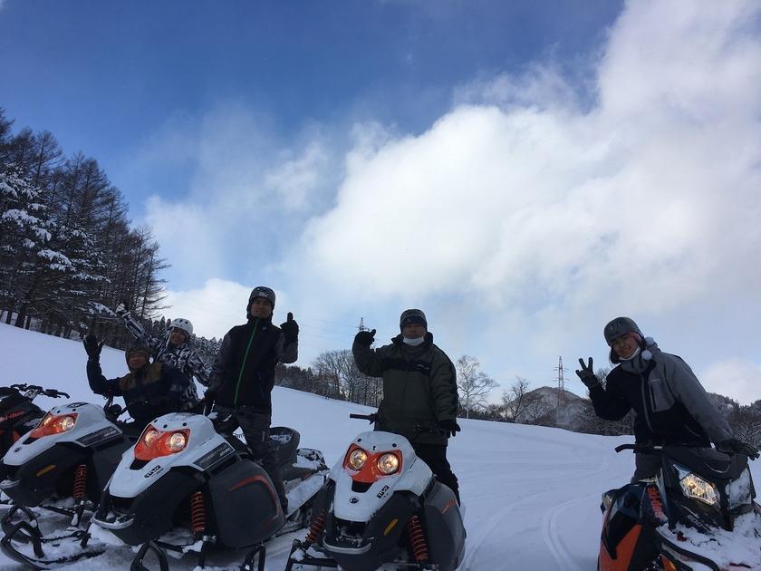 新年から爽快に雪上クルージング!苗場スノーモービルツアー003