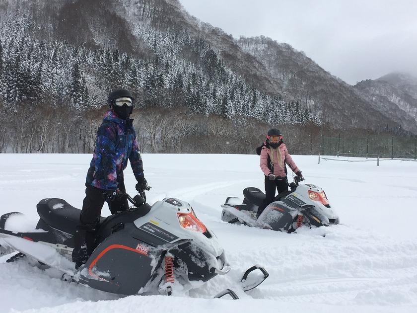 新年から爽快に雪上クルージング!苗場スノーモービルツアー004
