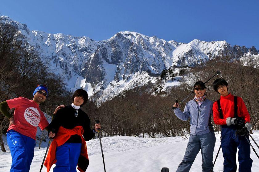 快晴のみなかみ町で雪上ハイキングを楽しもう!!001