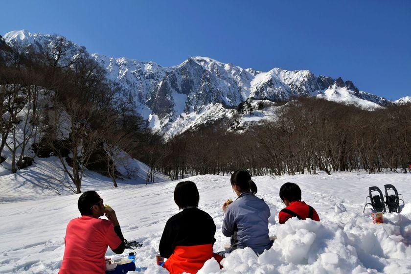 快晴のみなかみ町で雪上ハイキングを楽しもう!!003