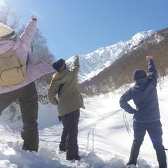 女子旅で雪国満喫!笑顔満開のスノーシュー半日ツアー