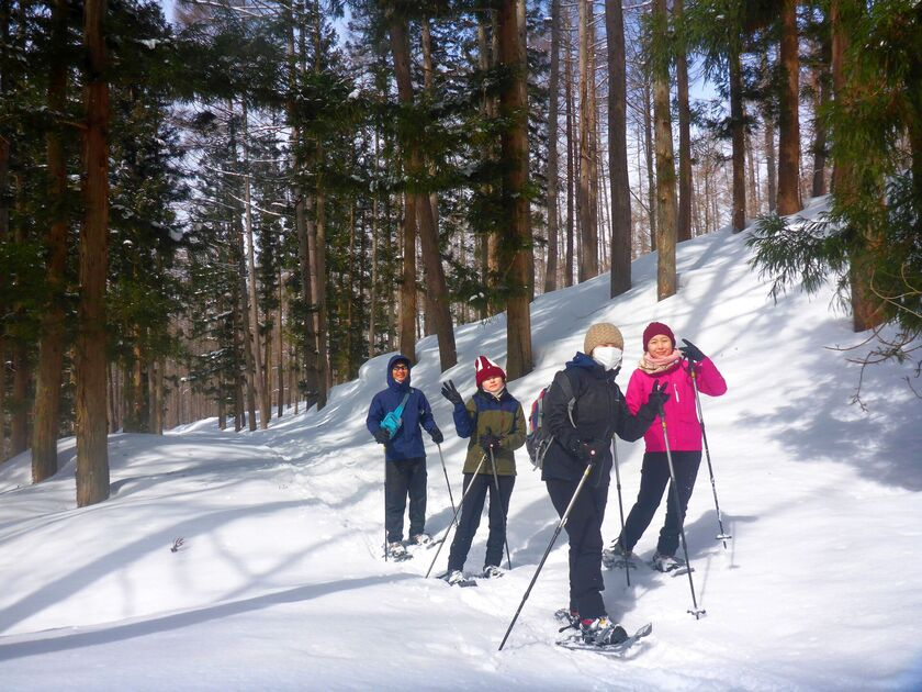家族みんなで冒険気分でハイキング☆スノーシュー半日ツアー001